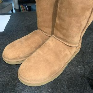 Men's Uggs size 12
